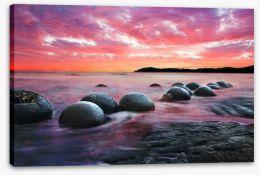 Moeraki boulders at dusk Stretched Canvas 60516353
