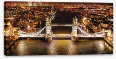 London Stretched Canvas 256900374