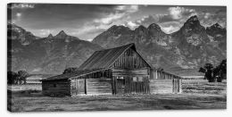 Old barn Stretched Canvas SL0012